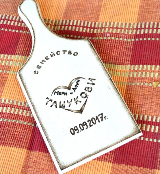 """Picture of Дървена дъска за рязане """"Family"""""""