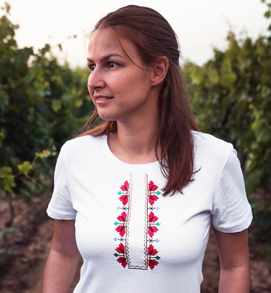 """Picture of Дамска бяла тениска """"Шевици"""""""